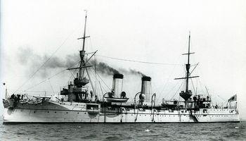 Japanese_cruiser_Takasago_at_Portsmouth.jpg